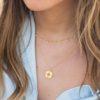Collar rondeles con piedra semipreciosa y collar rosa de los vientos en oro