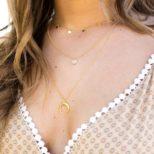 Collar medallitas, collar piedra 6mm y collar luna invertida en oro