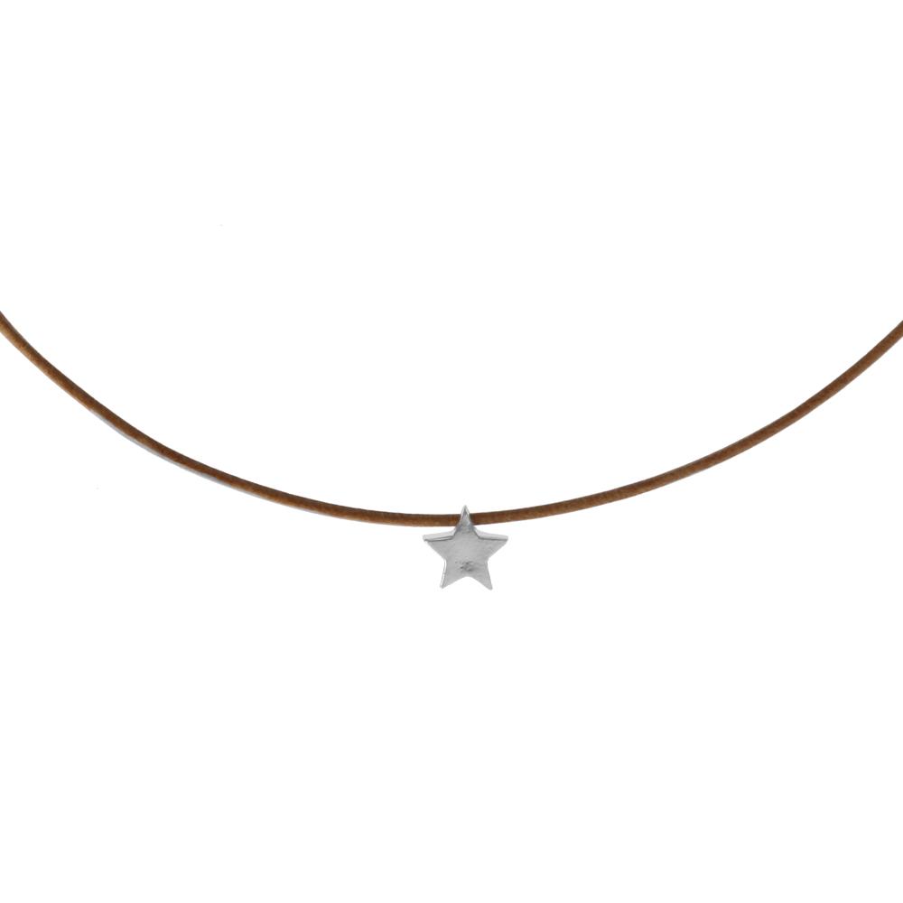 Collar de cuero y estrella en plata