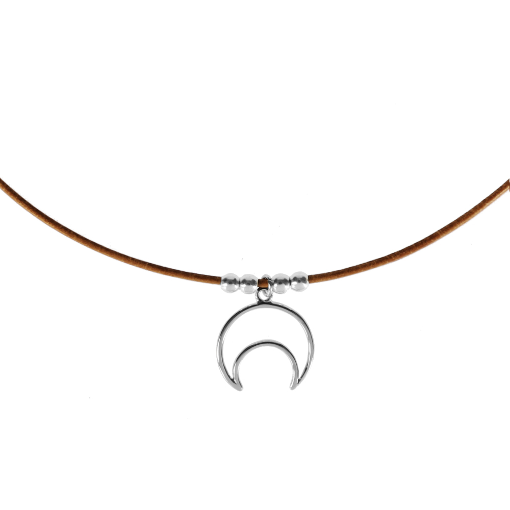 Collar de cuero y luna silueta en plata