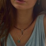 Collar de cuero atrapasueños con turquesa y collar cuerno de turquesa en plata